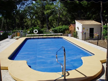 Here are just some of the things that you have to consider if you want to build a swimming pool right in your own home